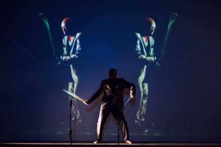 """Theater Zerberus: """"Cabarett Métaphysik"""", with Muneer Fenell (Beckett Festival Freiburg) © Paul Jaroslawski"""